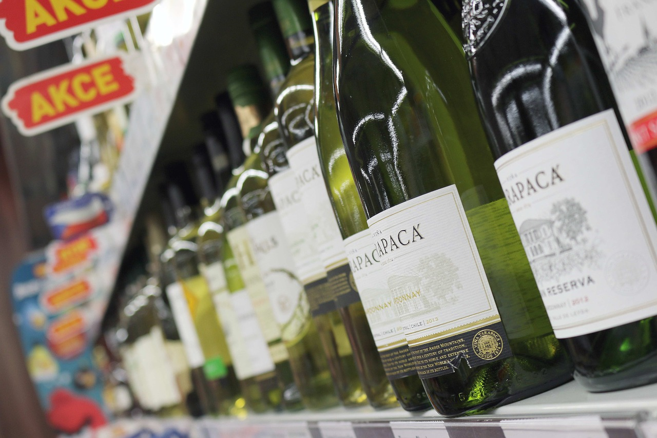 MaxPixel.freegreatpicture.com Drink Sale Bottles Bottle Shopping Shop Wine 351516